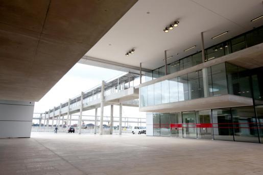 Esta es la tercera vez que la ATB saca a concurso el servicio para explotar el bar cafetería y el restaurante de la estación marítima de Alcúdia situados en la planta baja y en la primera planta respectivamente y que permanecen vacíos desde la inauguración de la terminal en 2010.