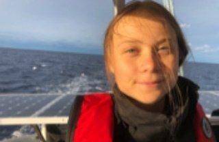 La joven activista viaja en catamarán porque se encontraba en Estados Unidos, adonde llegó a principios de septiembre en el 'Malizia', el barco ecológico del príncipe monegasco Pierre Casiraghi, para asistir a la Cumbre de Acción Climática que tuvo lugar el 23 de septiembre