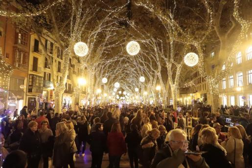 Palma ya ha encendido sus luces de Navidad.