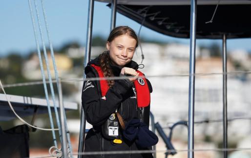La activista sueca instantes antes de desembarcar en puerto portugués.