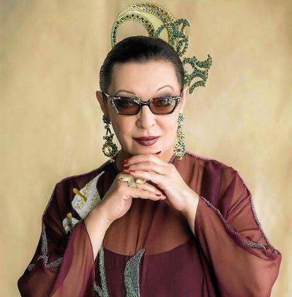 Maribel Quiñones lleva tres décadas enfundada en un personaje que mezcla copla, bolero y jazz.