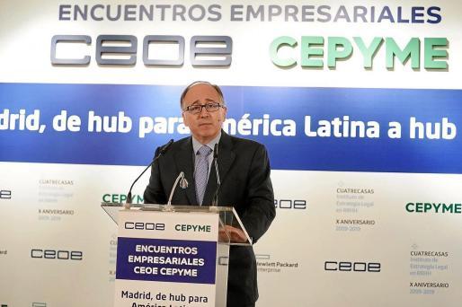 Luis Gallego, presidente de Iberia, en los encuentros de la CEOE Cepyme.