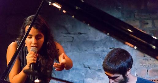 Júlia Colom y Toni Vaquer recalan en el Teatre Principal de Palma.