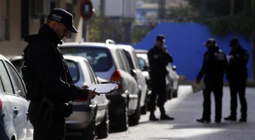 La Policía Local de Palma arrestó al hombre acusado de coacciones y amenazas.
