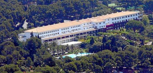 El solar donde se ubica el hotel Formentor es propiedad del grupo Barceló tiene una superficie de 1.200 hectáreas en un lugar privilegiado.