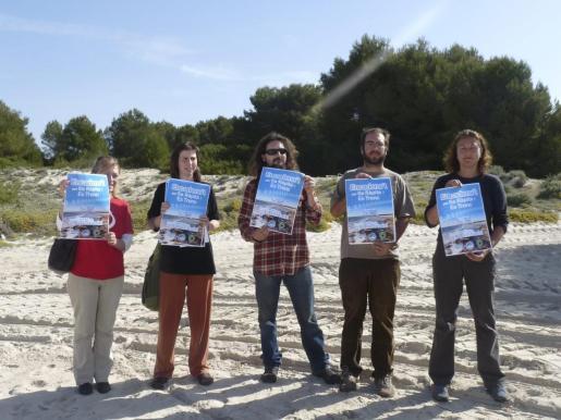 Varias agrupaciones han hecho un llamamiento para participar en la cadena humana en defensa de Sa Ràpita que tendrá lugar el domingo.