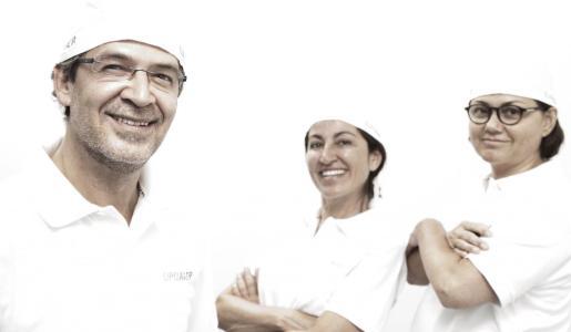 Los especialistas Alberto Morano, Renée Mora e Isabel Caballero.