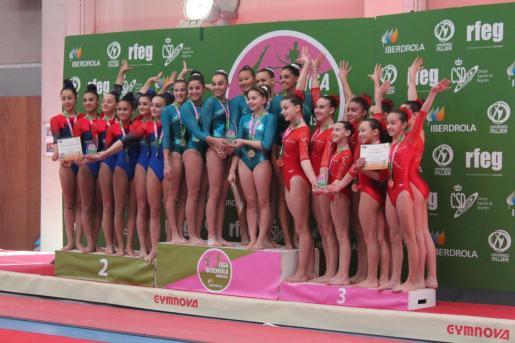 Las gimnastas del Grech y el Xelska B, en el podio de Tercera División de la Liga Iberdrola.