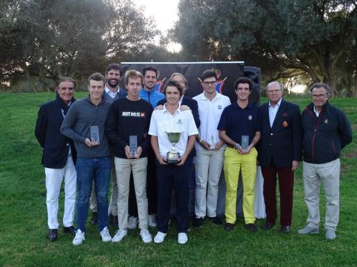 Imagen de la entrega de premios de la Copa Baleares de golf, en Son Antem.