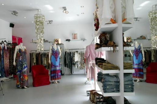 J. Brand, Wildfox, Juicy Couture, Sky, Hale Bob, Gold Sing, Jeans Alice, Trixie, Joseph e Yvonne Rohé son las marcas que encontrarás en la tienda de Palma