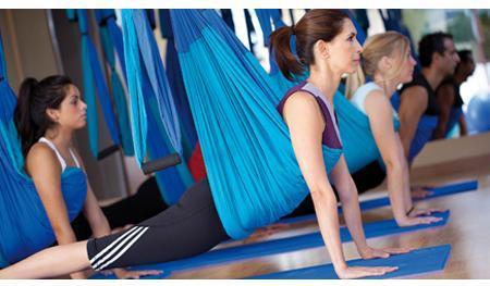 Fly Fusion ofrece un programa de ejercicios variados que se adaptan a los diferentes niveles de condición física