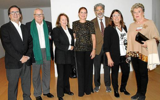 Juan Carlos Fernández de Salort, Francisco Vidal, Marieta Gual de Torrella, Esther Vidal, Juan Buades, Magda Pons Quintana y Jeannette Verd.