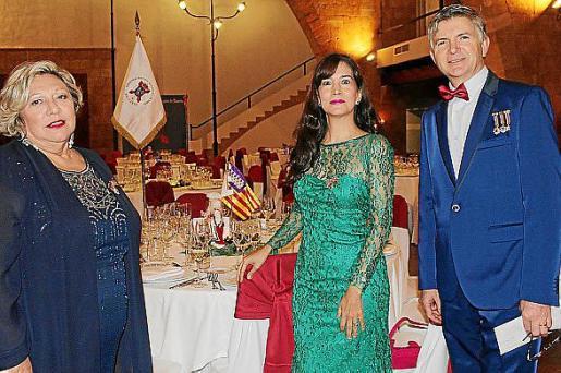 Mercedes Martínez, Alejandra Alloza y José Fernández.