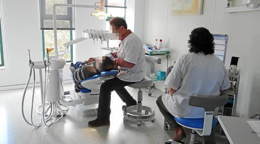 Denuncian a un dentista de Palma por la muerte de una mujer tras una extracción