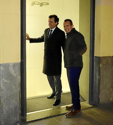 La apretada agenda de Company le obligó a reunirse con los críticos de Calvià ya bien entrada la noche del lunes, tras concluir la entrega anual de premios del Foment del Turisme.
