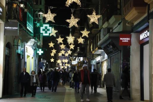 La calle sindicato cuenta con numerosos pequeños comercios.