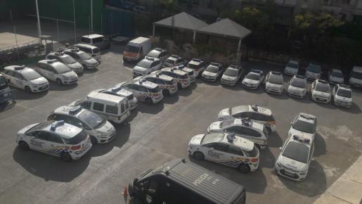 Imagen de archivo de los vehículos de la Policía Local de Palma que esperan para ser reparados en Sant Ferran.