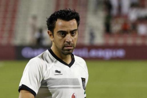 Xavi Hernández es entrenador de un equipo de fútbol en Qatar.