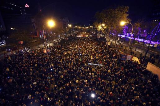 Miles de personas participaron en la Marcha por el Clima, convocada por 'Fridays For Future', Alianza por el Clima, Alianza por la Emergencia Climática y 2020 Rebelión por el Clima, el pasado viernes en Madrid.