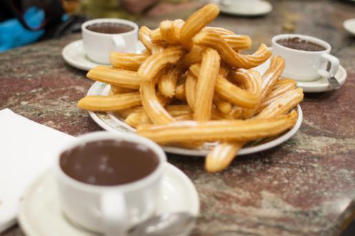El chocolate con churros es una de las tradiciones de la Navidad.