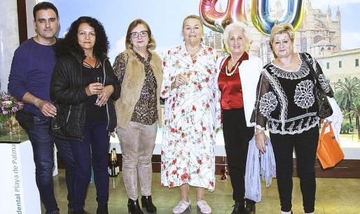Francisco Lozano, Ester Rendon, Concepción Bernardino, Manuela de la Vega, Francisca Bernardino y Teresa Domenech.