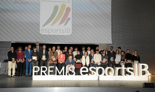 Foto de todos los galardonados.