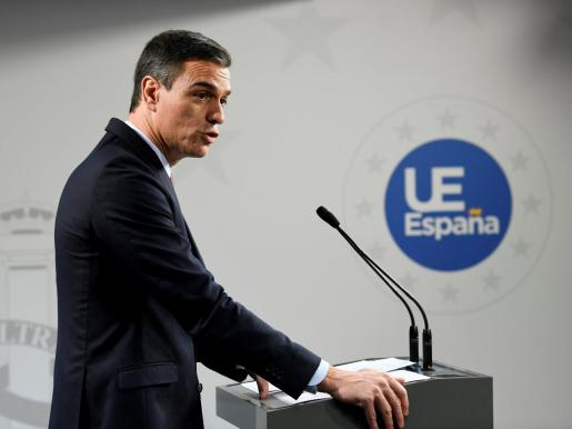 El presidente del Gobierno en funciones, Pedro Sánchez, interviene durante la rueda de prensa.