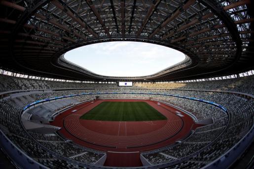 El estadio quedó inaugurado por el primer ministro japonés, Shinzo Abe, tres años después de comenzara su construcción.