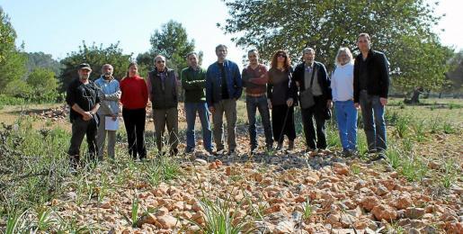 Distintas entidades ecologistas y pro caminos públicos han denunciado en varias ocasiones la destrucción del camino en Es Cabàs.