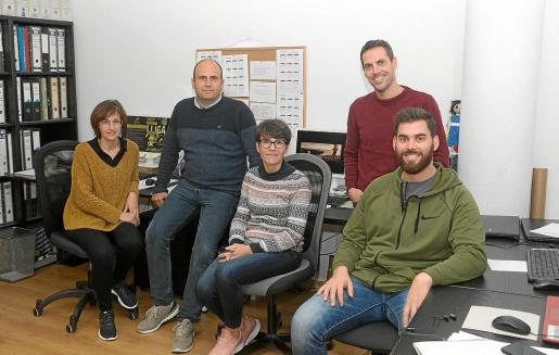 Una parte del equipo Elitechip, de izq. a der. Magda Taltavull, Mito Bosch, Queta Bosch, Francesc Martín y Josep Moll. Falta Ignasi Colom.