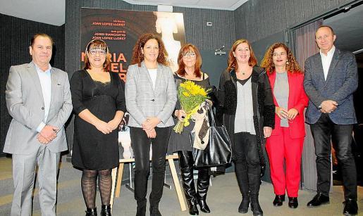 Josep Mallol, Bel Busquets, Catalina Cladera, Maria del Mar Bonet, Francina Armengol, Pilar Costa y Andreu Alcover.