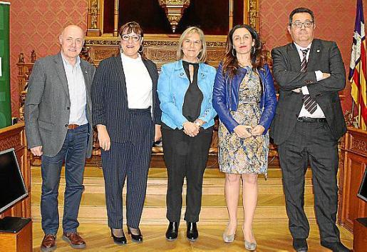 Joaquín Gamero, Bel Busquets, Rosa María Martín, Judith Vega Avelaira y Luis Tudela.