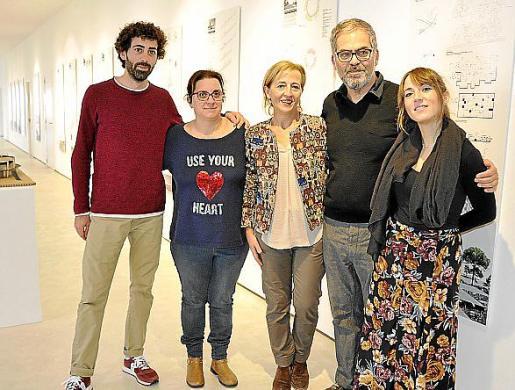 Biel Company, Antònia Perelló, Antònia Sabater, Gabo Golomb y Aina Ferrero.