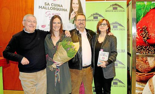 Miguel Ángel Llompart, Aina Llompart, el editor Guillem Rosselló y Patri Vileya.