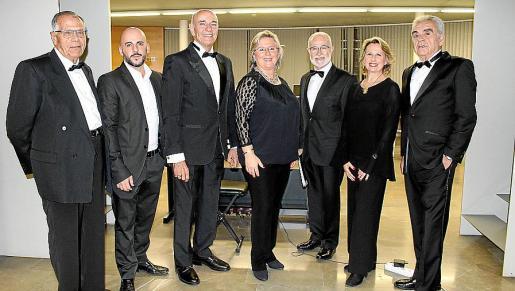 Gabriel Ferrer, el pianista Javier Sánchez; León López, la directora del Coro, Pilar Rosselló; Jesús Mena, Bruna Negre y José Miguel del Campo.