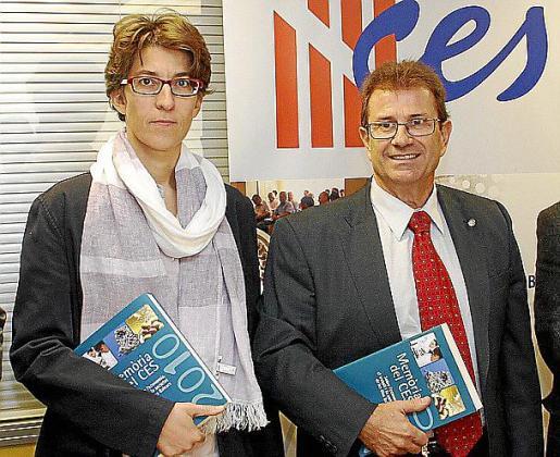 La secretaria general Àngels Bellinfante y Llorenç Huguet, presidente