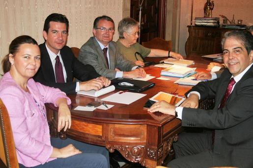 Maria Salom presidió ayer la reunión entre responsables de Cultura.