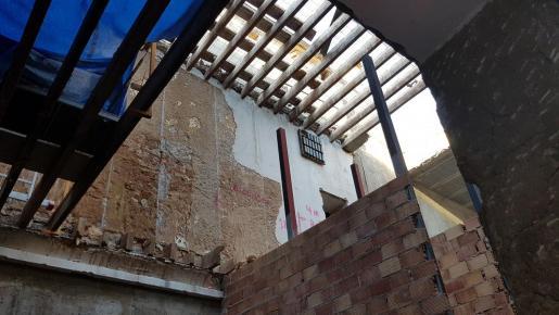 El Ajuntament cubrirá provisionalmente el tejado del anexo.