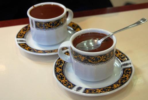La OCU analiza 4 chocolates a la taza.
