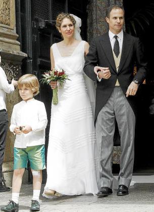 Los recién casados, a la salida de la iglesia de Sant Francesc.