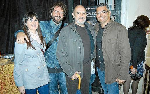Malen Dols, Joan Toni Fuster, el artista Kake Portas y Miquel Ramis.