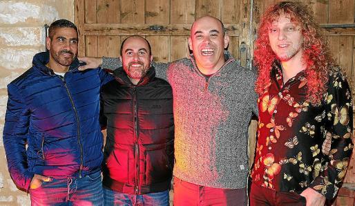 Hani Atalla, el fotógrafo Joan Vidal y los músicos Josep Burguera y Chele.
