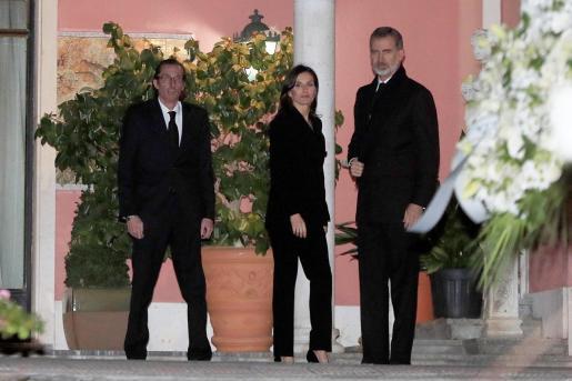 Los reyes de España Felipe y Letizia, a su llegada a la capilla ardiente de la infanta Pilar de Borbón.