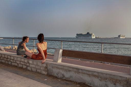 Imagen de un crucero abandonando el puerto de Palma.