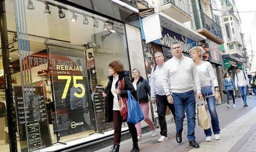 La desaceleración afectará de forma negativa al empleo, auguran los empresarios.