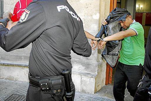El juez envío a la cárcel a los ocho detenidos.