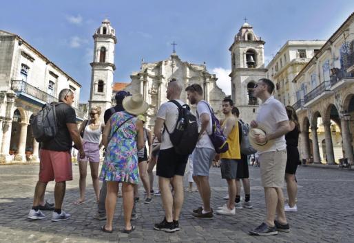 EEUU pretende limitar la llegada de turistas a Cuba.
