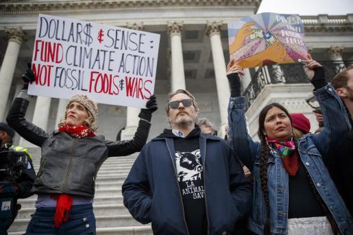 Joaquin Phoenix durante la manifestación por el clima.