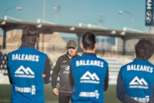 Imagen de un entrenamiento reciente del Atlético Baleares en Son Malferit.