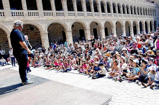 Un momento de la representación de 'Pinotxo, el nen de fusta', en La Misericòrdia.